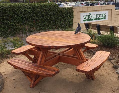 picnic table  seats