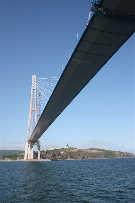 portee d un pont vladivostok inaugure le pont 224 haubans le plus du monde transport et infrastructures