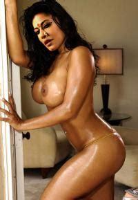 Chitrangada Singh Nude Exposing Her Boobs Fucked Page Sex Baba