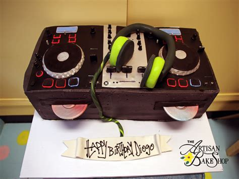 custom   sculpted cakes creative special occasion cakes