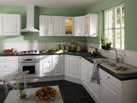 cuisine blanche et verte cuisine de chez leroy merlin le catalogue 10 photos