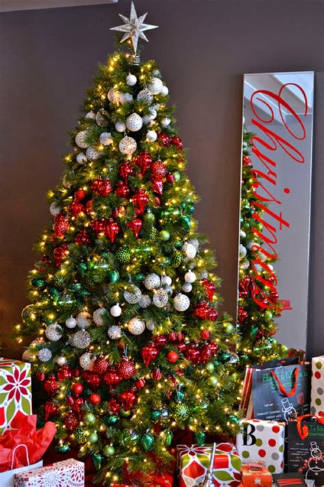 tree and decorations 10 amazing christmas tree decorating ideas beautyharmonylife