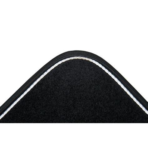 tapis de sol norauto 4 tapis de voiture universels moquette norauto arabesk noirs norauto fr