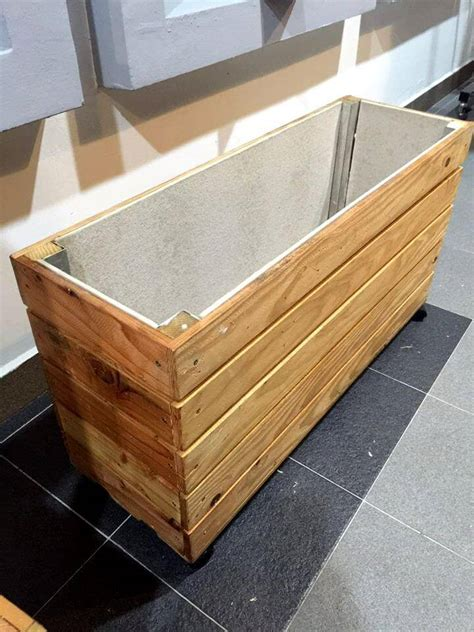 upcycled wood pallet planter box  pallets