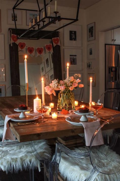 valentines day table candlelit dinner   romantic