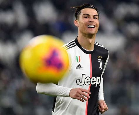 Cristiano Ronaldo equals most number goals in football ...