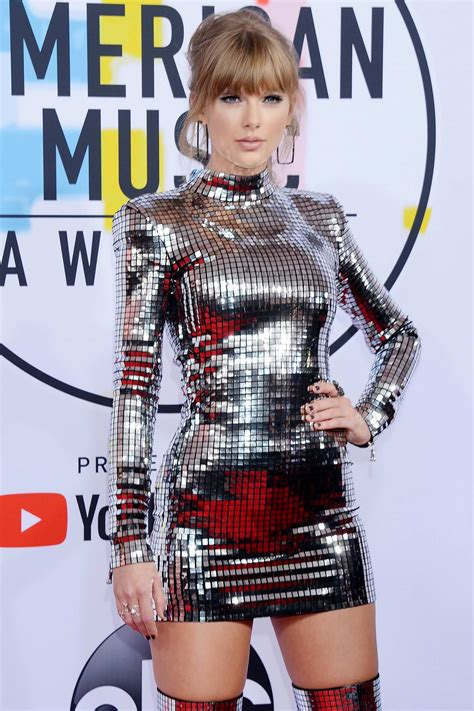 taylor swift attends 2018 american music awards (ama 2018 ...
