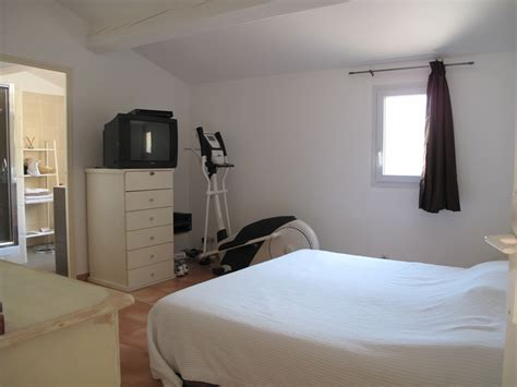 chambre avec salle d eau locations location villa t4 f4 cassis calme avec terrasse