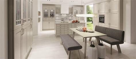 cuisine design italienne avec ilot cuisine traditionnelle avec 238 lot cuisines cuisiniste aviva
