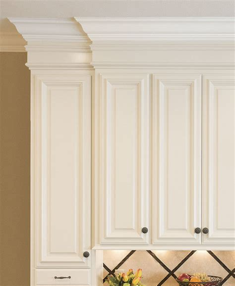 crown moulding on top of kitchen cabinets crown molding for kitchen cabinets homebuilding 9834