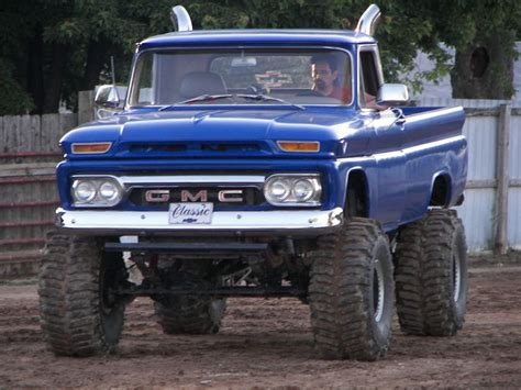 lifted gmc sierra trucks jacked gmc truck suv suvs images  pinterest sierra truck