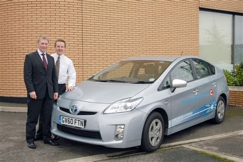 toyota leasing company leaseplan begin trial of toyota plug in hybrid