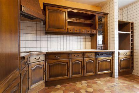r駭 vieille cuisine repeindre sa cuisine en bois eclaircir une table en chne patines u0026 couleurs en repeindre une table de cuisine en bois relooker une vieille