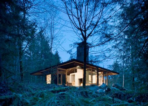 Home Design In Harmony With Nature : Small House Design On A River In A Harmony With Natural