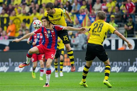 Dfb cup holders borussia dortmund will host bundesliga champions bayern munich at the signal iduna park in the 2021 supercup on tuesday, 17 august at 8.30pm cest. Borussia Dortmund deelt in Supercup tik uit aan Bayern ...