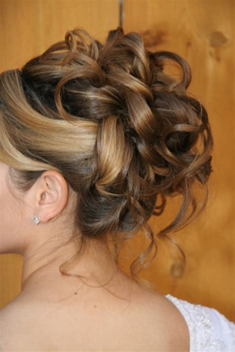 Wedding Hairstyles Updos With Curls by Formal Updo Big Curls