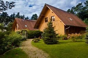 Holzhaus Zum Wohnen : ein haus zum arbeiten eins zum wohnen naturkrafthaus ~ Lizthompson.info Haus und Dekorationen