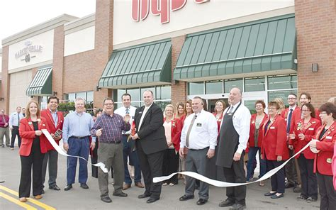 'a Proud Day'; Hy-vee Opens Amid Crowds, Some Tears