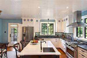 eat-in kitchen with island and sink