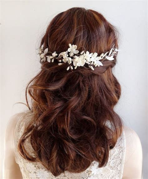 simple wedding hairstyles with flowers 25 best ideas about flower hair on pinterest simple