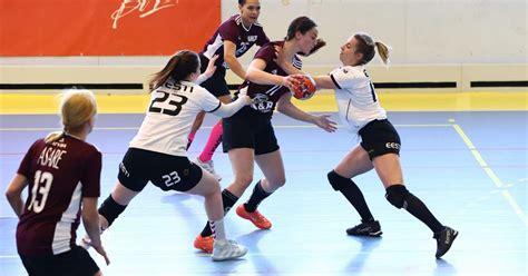 Latvijas sieviešu handbola izlase piedzīvo zaudējumu pārbaudes spēlē