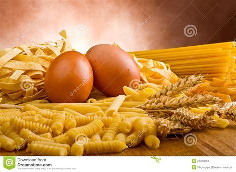 groupe de m 233 lange de p 226 tes italiennes image libre de droits image 25363656