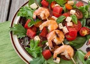 Tomate Mozzarella Spieße : rezept garnelen spie e an tomate mozzarella salat ~ Lizthompson.info Haus und Dekorationen