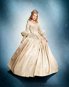 Costume La Belle Et La Bête : the gorgeous dresses from la belle et la b te ci stunning costumes pinterest belle ~ Mglfilm.com Idées de Décoration