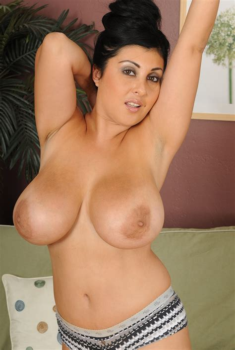 Cute Mature Latina With Big Tits Jaylene