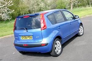 Nissan Note 2006 : nissan note hatchback 2006 2013 driving performance parkers ~ Carolinahurricanesstore.com Idées de Décoration