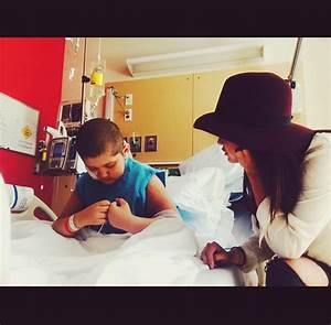 PHOTOS: Selena Gomez makes cancer patients' day, thanks to ...