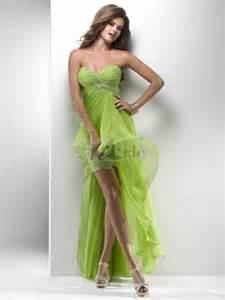 robe de mariã e courte devant et longue derriere robe mousseline sans bretelle courte devant longue derrière ornée de dentelle et applique