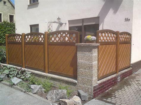 Fenster Zur Straße Sichtschutz by Holzfarbener Sichtschutz F 252 R Blickgesch 252 Tzte Terrasse An