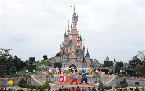 Disneyland Paris Evacuated Reports Of Suspicious Package
