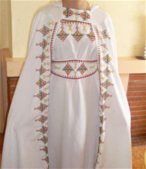 robe kabyle blanche satin de soie pas cher