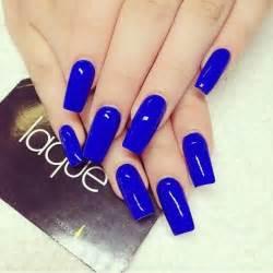 Royal blue nail art baby king