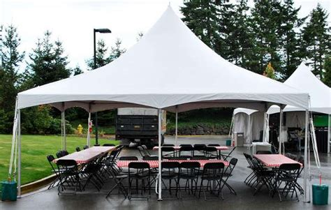 20 x 20 high peak tent bouncer rental northwest