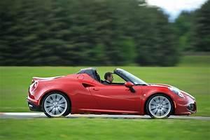 Alfa Romeo 4c Prix : essai alfa romeo 4c spider un joujou extra prix d 39 or photo 12 l 39 argus ~ Gottalentnigeria.com Avis de Voitures