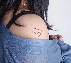 Tatouage Femme Epaule Discret : 1001 id es tatouage paule des mod les sur lesquels s 39 appuyer ~ Melissatoandfro.com Idées de Décoration