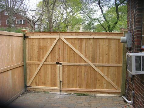 Fence - Gate : Wooden Fence Gate Designs