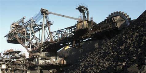 Sopir truk jatuh ke lubang tambang batubara merdeka com