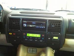 Land Rover Discovery 2 Stereo Upgrade