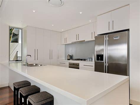 Laminex Kitchen Ideas - modern galley kitchen design using floorboards kitchen photo 499655