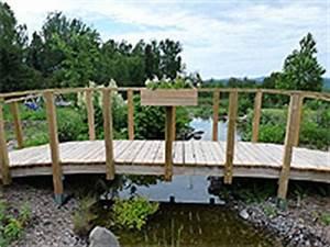 pont arque en bois avec garde corps construire un pont With plan de bassin de jardin 3 construire un pont de jardin etapes de construction plan