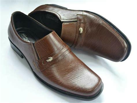 Pantofel Mocassin Coklat jual sepatu pantofel pria kulit asli crocodile coklat