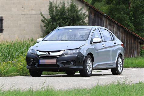 Spyshots Is This The 2019 Honda Insight Hybrid