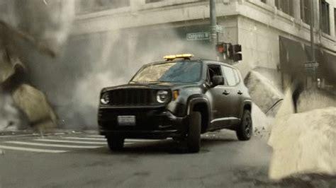 superman jeep bruce wayne trades the batmobile for a jeep for batman v