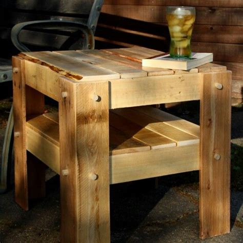 Diy Rustic Side Table Made From Pallets So Easy, You Can