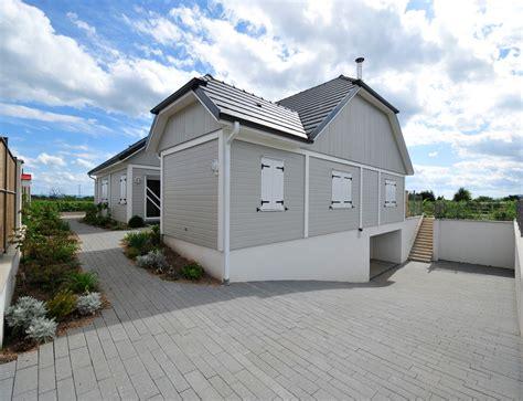 maison bois plein pied avec bardage canexel nos maisons