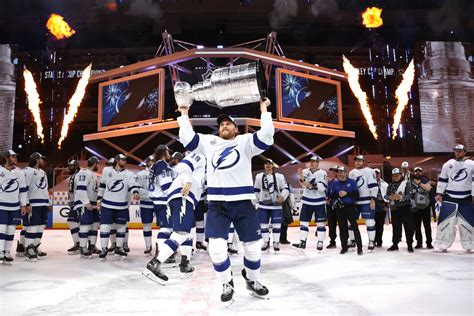 Tampa Bay Lightning Beat Dallas Stars to Win Stanley Cup ...